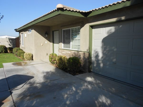 $900 Lovely Two Bedroom Apartment (East on Hwy 58 Right on Oswell)