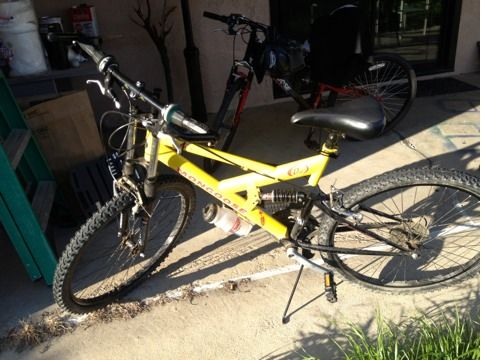 Mongoose D40r 21 speed mountain bike - $150 (Bakersfield)