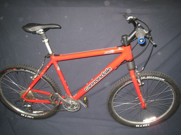 Cannondale F400 Mountain Bike - $325 (Bakersfield NW)