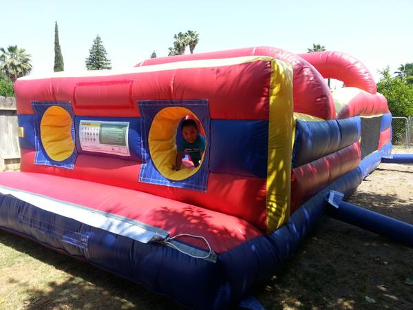 ________ HUGE BOUNCE HOUSE __________ - $125 (LOW PRICES)