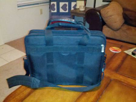 Laptop bagbriefcase - $20 (Fruitvale Ave (NW))