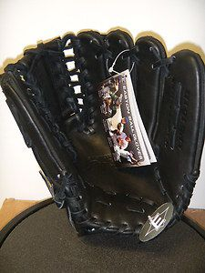 BRAND NEW Easton Professional Series Baseball Glove (Right handed) - $160 (Northwest)