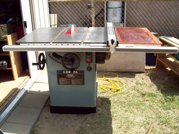 Delta Unisaw Table Saw (10 tilting arbor saw) - $2195 (Central Bakersfield)
