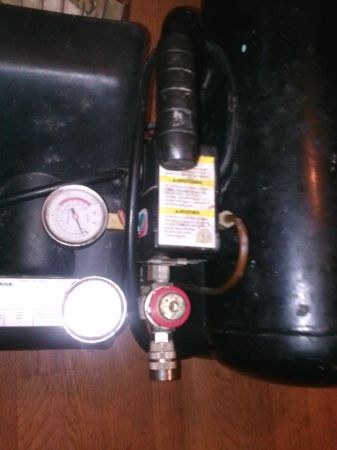 air compressor - $100 (east Bakersfield)