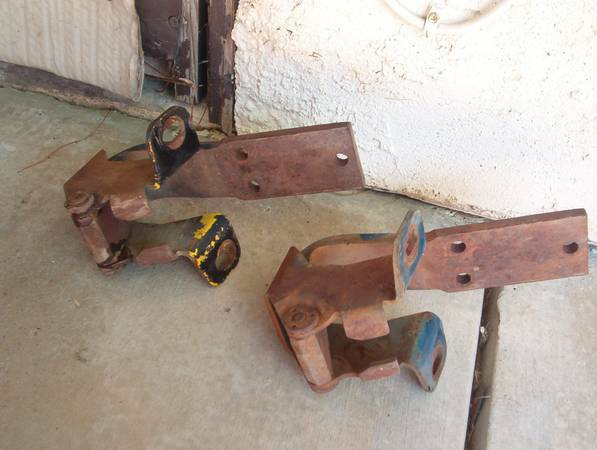 1957-60 ford f100 f700 parts (Bakersfield)
