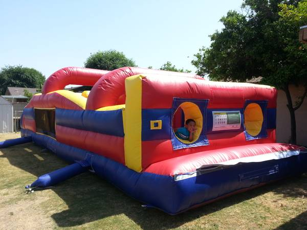 Huge Jumper Bounce House Rental - $100 (Bakersfield)