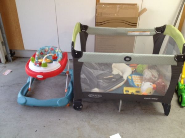 GREAT ITEMS FOR YOUR BABY MUST SEE - $1 (SW BAKERSFIELD)