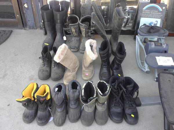 BOOTS GOING CHEAP, LOTS (1101 N.CHESTER AVE, OILDALE)