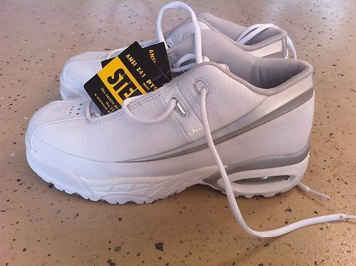 Steel Toe work shoe Iron Age Brand new size 7.5 Women - $25 (South West)