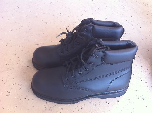 Work Shoe Steel Toe Protection Iron Age Brand Size 11 and 4 - $25 (sw)