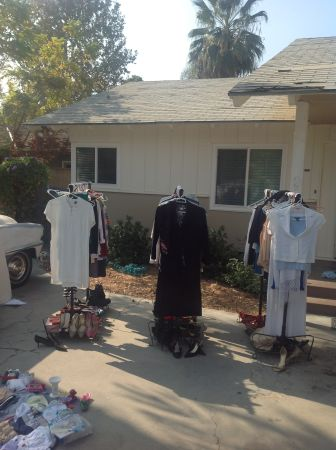 Clothing for the whole family - $1 (bakersfield)