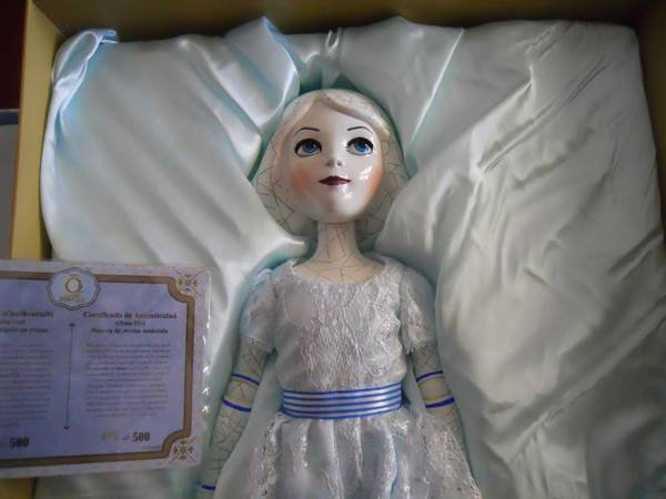 DISNEY OZ THE GREAT AND POWERFUL CHINA GIRL LIMITED EDITION - $500 (Bakersfield)