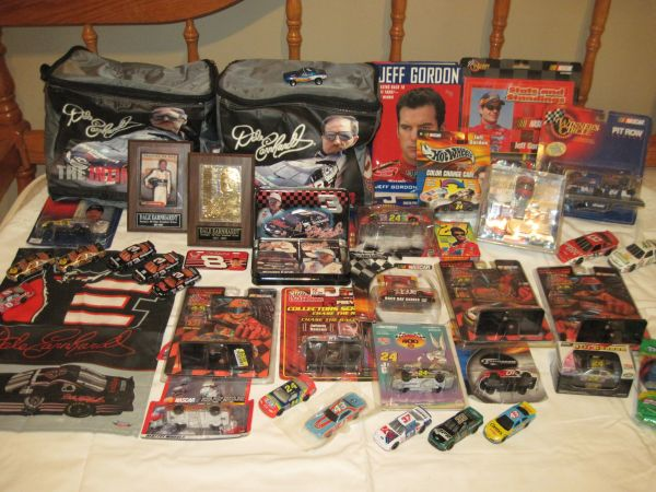 NASCAR Lot Earnhardt,Gordon,Collectable Toy Items (SW Bakersfield)