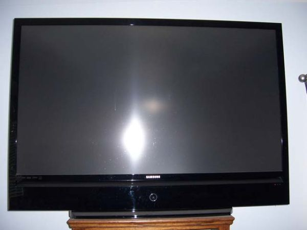 Samsung 67 Inch DLP HD 1080, Stand Surround Sound - $625 (Bakersfield)