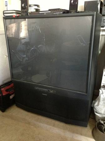 MITSUBISHI 50in PROJECTION TV - $60 (WEST BAKERSFIELD)