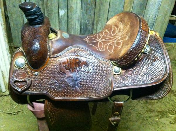 Double J Western Roping Trophy Saddle 15 12 Seat - $600 (bakersfield)