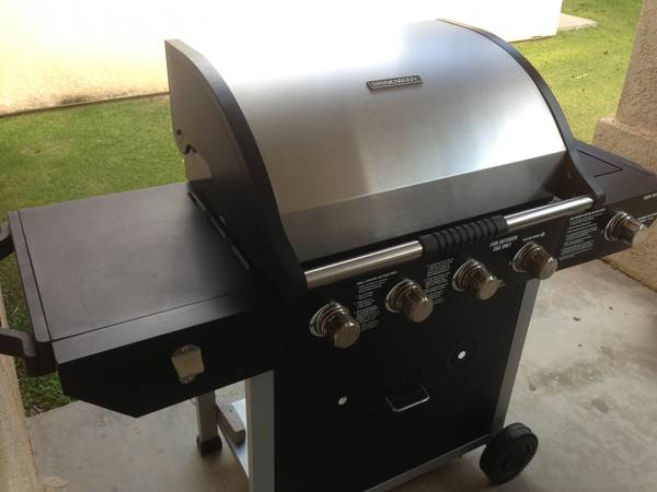 BRINKMANN STAINLESS STEEL GRILL - NEAR NEW CONDITION - GREAT DEAL - $180 (Near TARGET on Stockdale)
