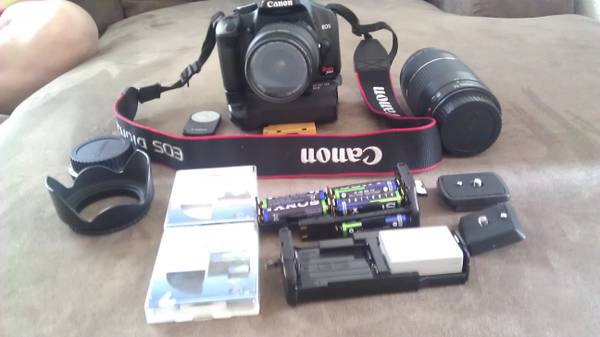 Canon XSI with accessories - $350 (Bakersfield, Delano, Wasco, Shafter)