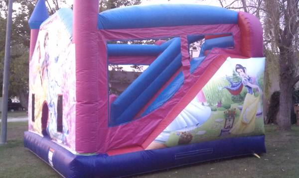 Bounce House - $60 (NW Bakersfield)