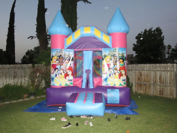 BOUNCE HOUSE (GET READY FOR YOUR PARTY NOW) (BAKERSFIELD AREA)