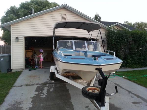 1968 Glastron V156 Aqualift 95HP Mercury - $2900 ( Middleton)