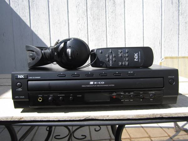 5 disc CD Player - $25 (Reno)