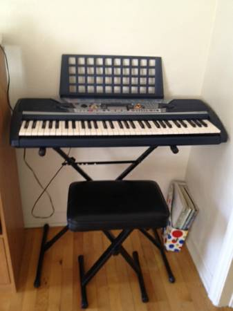 YAMAHA Electronic Keyboard with Keyboard Stand Chair - $40 (NW Reno)