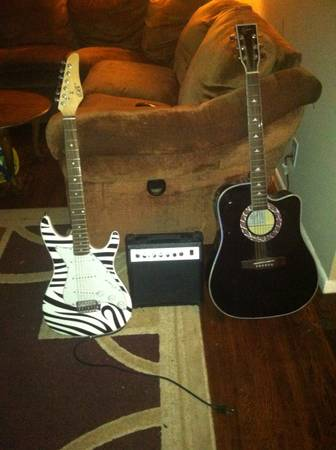 LIMITED EDITION ESTEBAN GUITAR - $150 (reno)