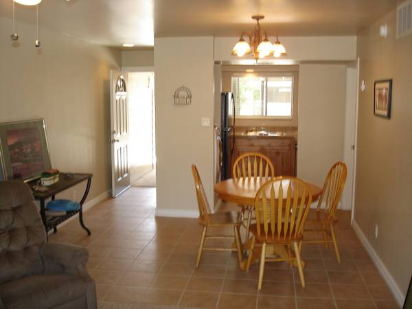 - $1050 2br - 900ftsup2 - 2 Bed, 2 Bath Condo (West Flagstaff, NAU)