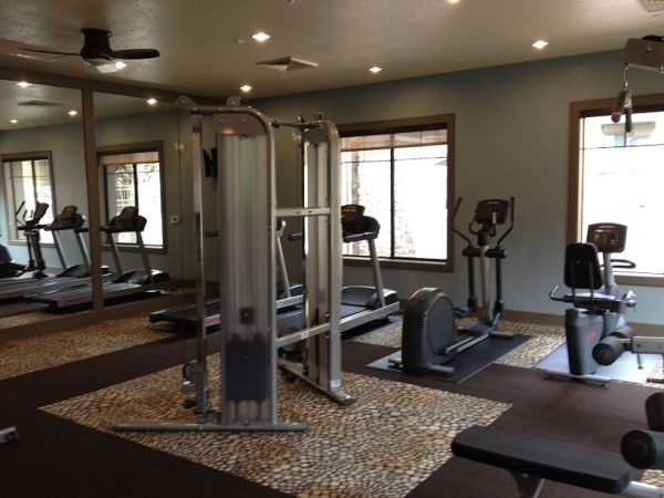 $965 1br - 755ftsup2 - Get $700 Off Move In Costs Elevation Luxury Apartments