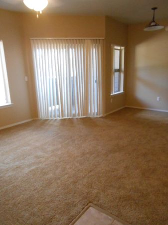 $845 1br - 676ftsup2 - We have a One Bedroom for February (The Lodge)