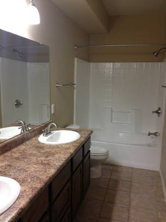 $995 1br - 676ftsup2 - BEAUTIFUL upgraded one bedroom (The Lodge)