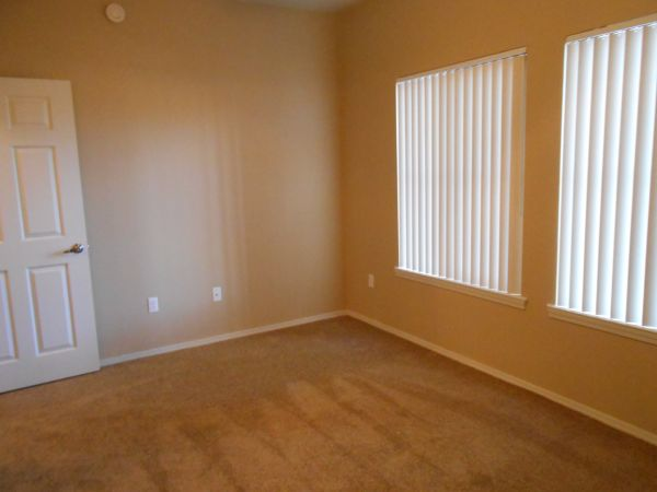 $1175 3br - 1106ftsup2 - FREE RENT 300.00 MOVES YOU IN (The Lodge)