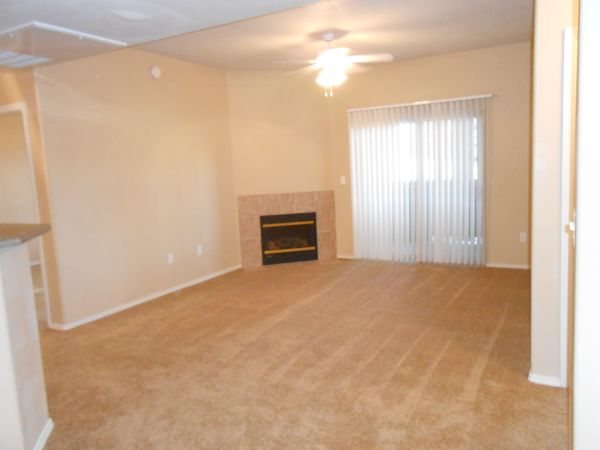 $1175 3br - 1106ftsup2 - $200 Off Move-in and Waive App Fees (The Lodge)