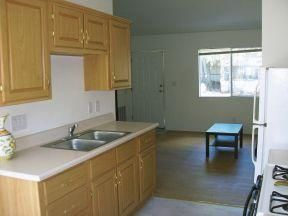 $850 1br - 1 Bedroom PRIVATE studio all utilities included FOR MARCH ONLY (1080 W. Kaibab Ln.)