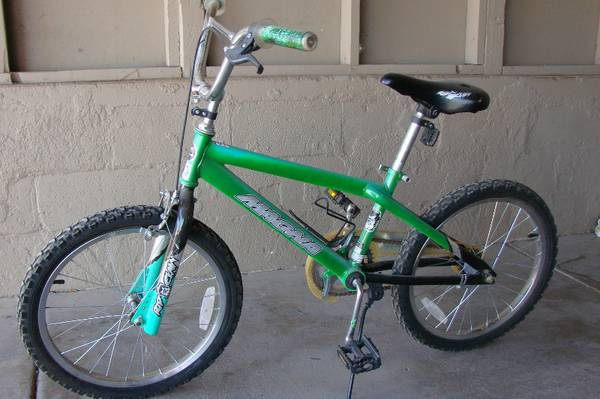 Boys 20 Bike Magna Rip Claw - $25 (Cottonwood)