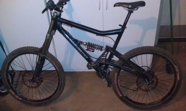2005 Santa Cruz Bullit XL Frame Downhill Mountain Bike - $950 (Uptown Sedona)