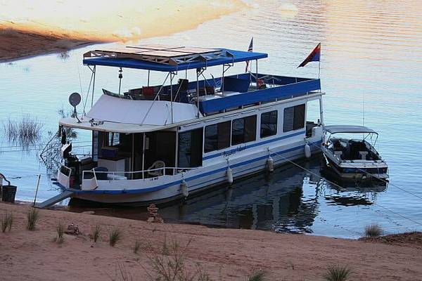 Lake Powell Houseboat Share - Solar Power - Immaculate - Must See - $5000 (Page-Wahweap)