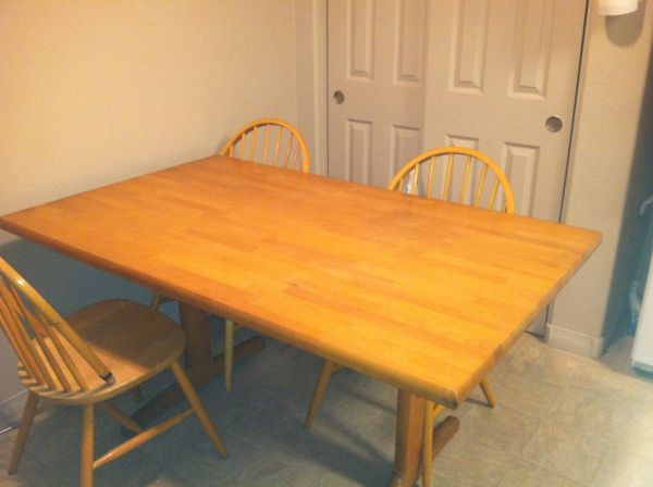 Solid Wood Kitchen Table - $85 ((Close to NAU))