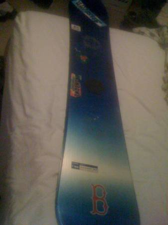 Salomon 166cm mens snowboard. - $200 (Flagstaff (Cheshire))