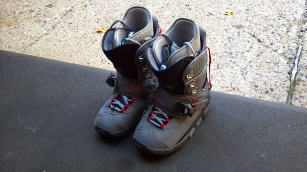 LIKE NEW Burton Step-In Boots and bindings - size 11 - $149 (Flagstaff)