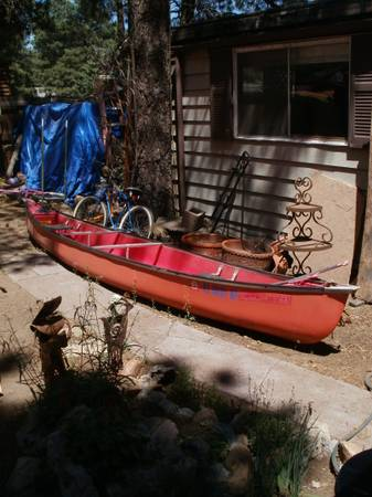 17 COLEMAN CANOE IN GREAT SHAPE W PADDLES - $275 (FLAGSTAFF)