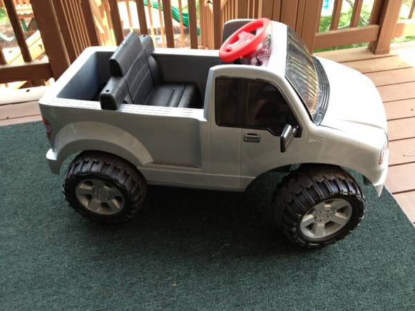 Fisher-Price Power Wheels Ford F150 Ride-On Toy Truck - $60 (West Flagstaff)