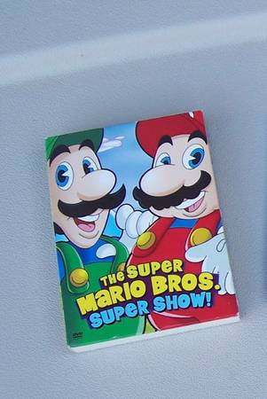 KIDS DVDS Veggie Tales Scooby Doo Super Mario Bros Super Show Set - $5 (75th ave glendale ave)