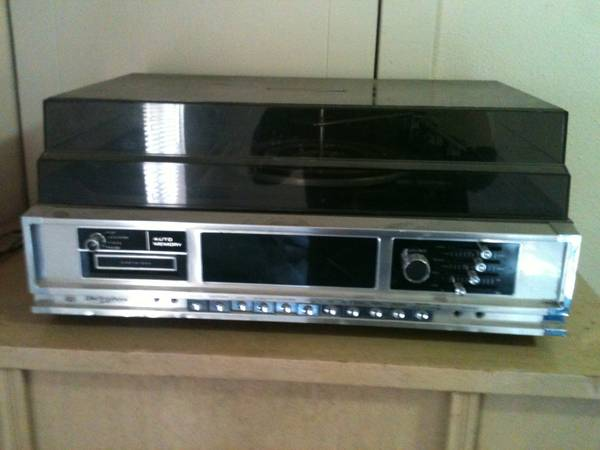 1970s StereoRecord8-Track Player - $50 (NAUDowntown)
