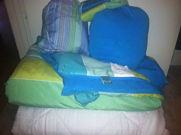 Twin XL bedding set x 2 padded mattress pad - $25 (Forest Medows and Woodlands )