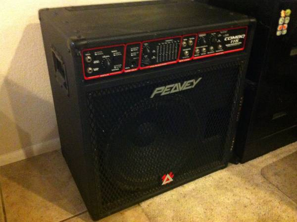 PEAVEY COMBO 115 BASS AMP - $250 (WILLIAMS)