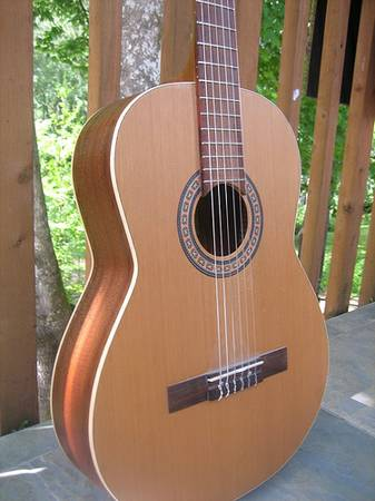 La Patrie Etude Acoustic GUITAR with case - $200 (Flagstaff)