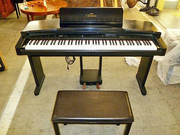 Yamaha Clavinova CVP-20 Piano Keyboard with Bench Books - $350 (Page, AZ)