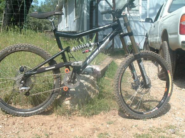 2008 santa cruz bullit mountain bike - $1300 (colfax)